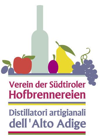 I Distillatori Artigianali dell'Alto Adige hanno ora un logo comune, che rappresenta la varietà dei prodotti e le persone che vi dedicano il loro impegno.  Li caratterizza la passione per distillati pregiati e liquori. La loro offerta spazia da grappe intense, acquaviti di frutta e liquori alla frutta fino a distillati derivati da antiche varietà di frutta e frutti di bosco.  Inoltre i nostri membri non fanno mancare i prodotti di tendenza come il rum e il gin!